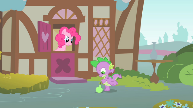 File:Spike about to kick a quince S1E24.png