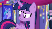 Twilight looking unsure at Trixie S6E6