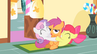 Cutie Mark Crusaders group hug S01E23