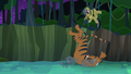 Daring Do dodges tiger pounce S4E04.png