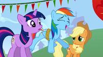 Rainbow laugh blow S01E13