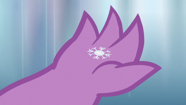 File:Snowflake lands in Spike's claw S6E16.png