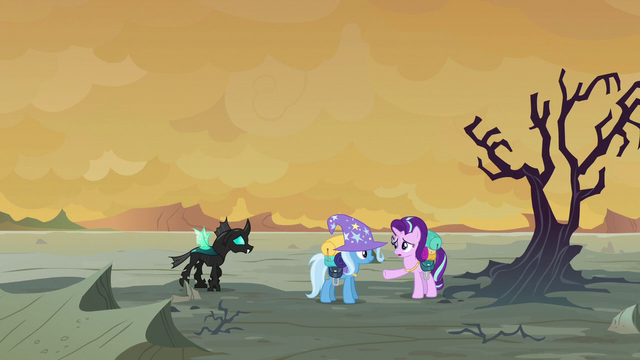 File:Starlight Glimmer stopping Trixie and Thorax S6E25.png