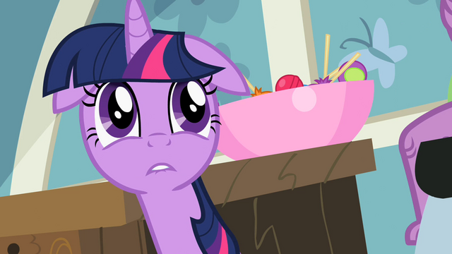 File:Twilight needs to go to a vet S2E10.png