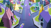Local ponies looking at Twilight S3E2