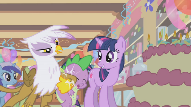 File:Gilda whacking Spike S1E5.png
