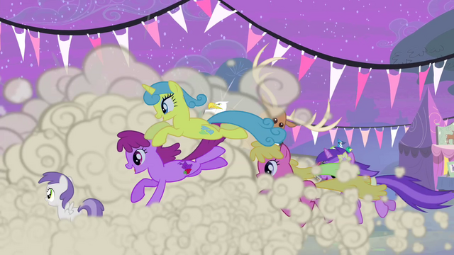 File:Ponies running S4E14.png