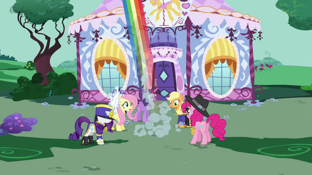 File:Rainbow flies off S4E21.png