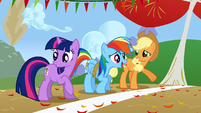 Twilight Rainbow and Applejack getting ready S1E13