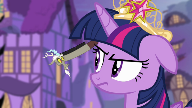 File:Discord in Twilight's ear S4E02.png