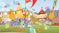 Ponies at the finish line S1E13.png