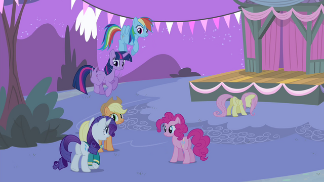 File:Rarity walking towards Fluttershy S4E14.png