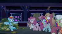 Zombie ponies cornering Rainbow Dash S6E15