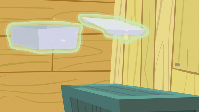 File:Gift box levitates off of the crate S6E19.png