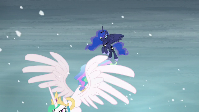 File:Luna sees Celestia flying off S6E2.png