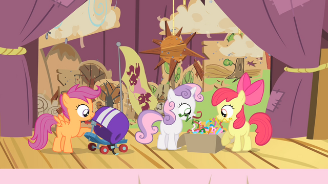 File:The CMC on the stage S4E05.png