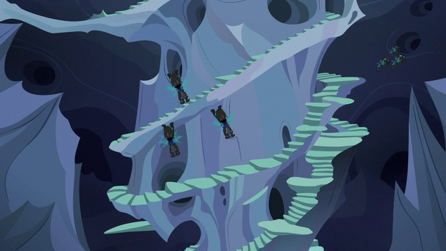 File:Changelings flying all over the hive S6E26.png