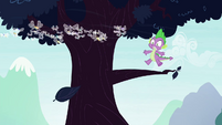 Spike sees leaf floating away S4E16