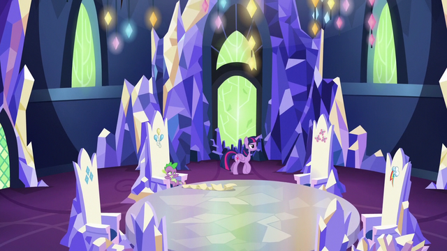 File:Twilight pacing in the Castle of Friendship throne room S6E22.png