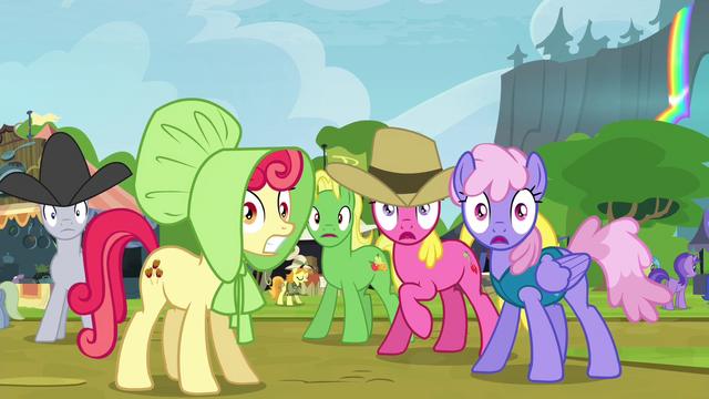 File:Crowd of ponies hears bear roar S4E22.png