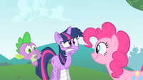 Twilight wincing and gritting her teeth S1E15