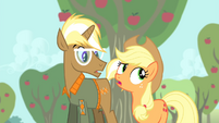 Applejack 'your way is definitely long on style' S4E13