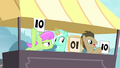 Lyra notices S4E20.png