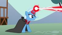 Trixie uses the amulet's magic S3E05