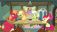 Apple Bloom and Big Mac offer to help too S3E8