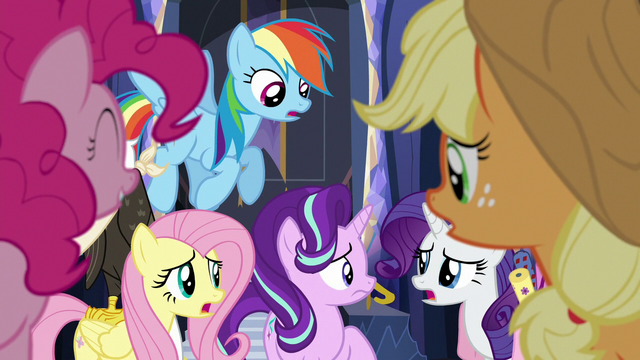 File:Main five start talking over each other S6E21.png