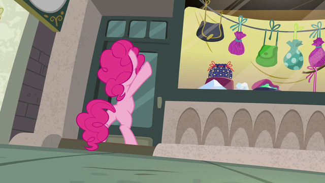 File:Pinkie Pie still pounding on the door S6E3.png