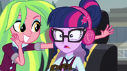 Sci-Twi uncomfortable with the loud music EG3