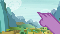 Spike pointing at a faraway object S6E25
