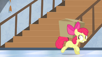 Apple Bloom has the box S4E19