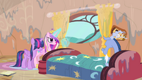 Cadance levitating a glass of water S4E11