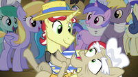 Flim prevents an old pony from falling S4E20