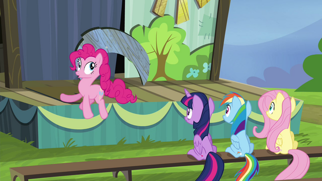 File:Pinkie Pie bouncing around S4E21.png