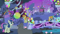 Sweetie Drops and a seal playing with a ball S4E14