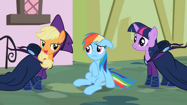 File:Applejack 'rubbin' them on' S2E08.png
