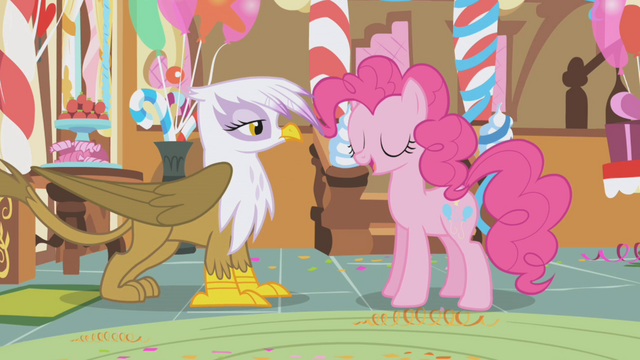 File:Pinkie welcomes Gilda to the party S1E05.png