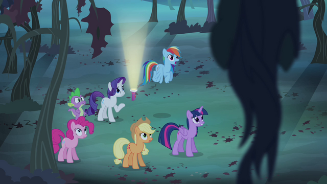File:Rarity tries to talk Fluttershy down S4E07.png