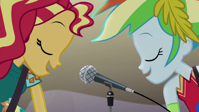 File:Sunset Shimmer and Rainbow Dash sing together EG4.png