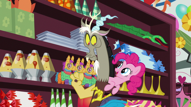"File:Pinkie ""make Fluttershy feel comfortable"" S7E12.png"