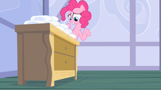 File:Pinkie Pie stand still S2E13.png