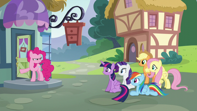 File:Pinkie opens the furniture store door S5E19.png
