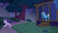 Starlight runs away; Trixie tries to stop her S6E6