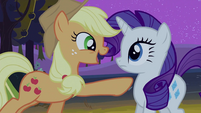 Applejack pointing at Rarity 2 S2E05