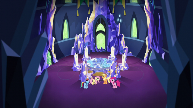 File:Main 4 in empty throne room S5E3.png