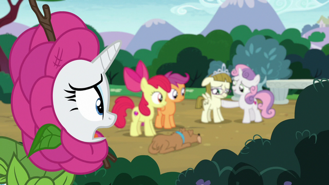 """File:Rarity """"after she's done with her conversation"""" S7E6.png"""