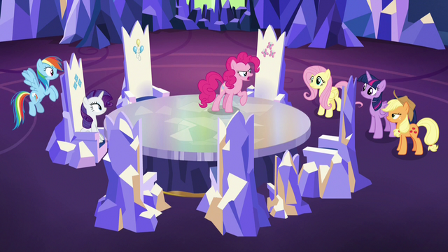 File:Pinkie Pie addressing her pony friends S7E11.png